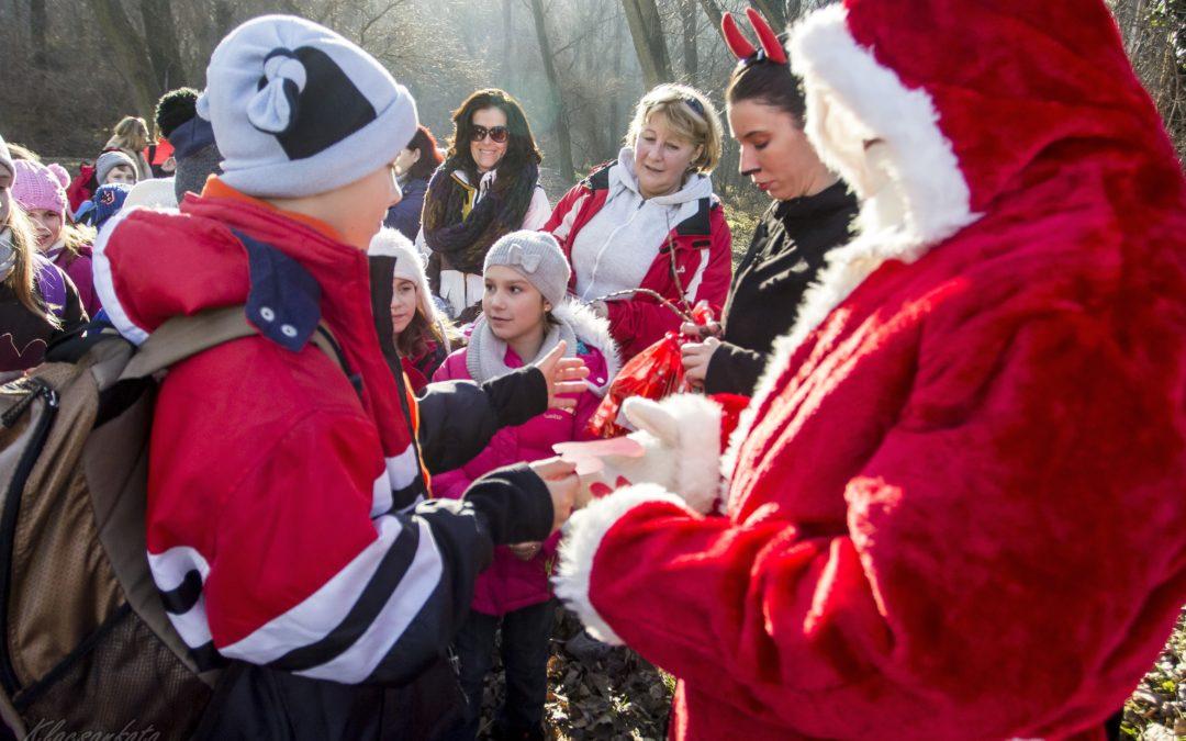 150 gyerek indult a Mikulás keresésére